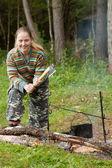 Toeristische firewoods maken — Stockfoto
