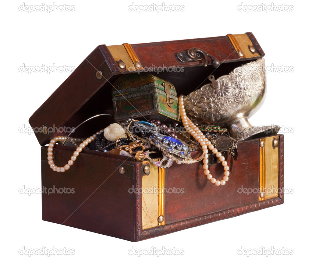 Wooden treasure trunk with jewellery, isolated with  clipping path  Stock Photo #6815392