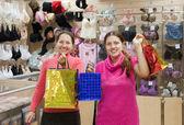 Women with shopping bags — Stock fotografie