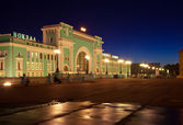 Night view of railway station at Novosibirsk — Stock Photo