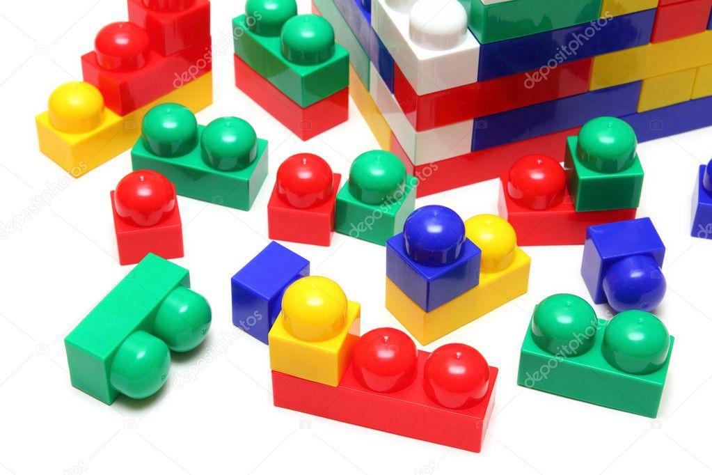 Деревянный конструктор Блоки от Plan Toys. Купить Деревянный конструктор Блоки.