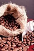 Coffee beans spilling — ストック写真