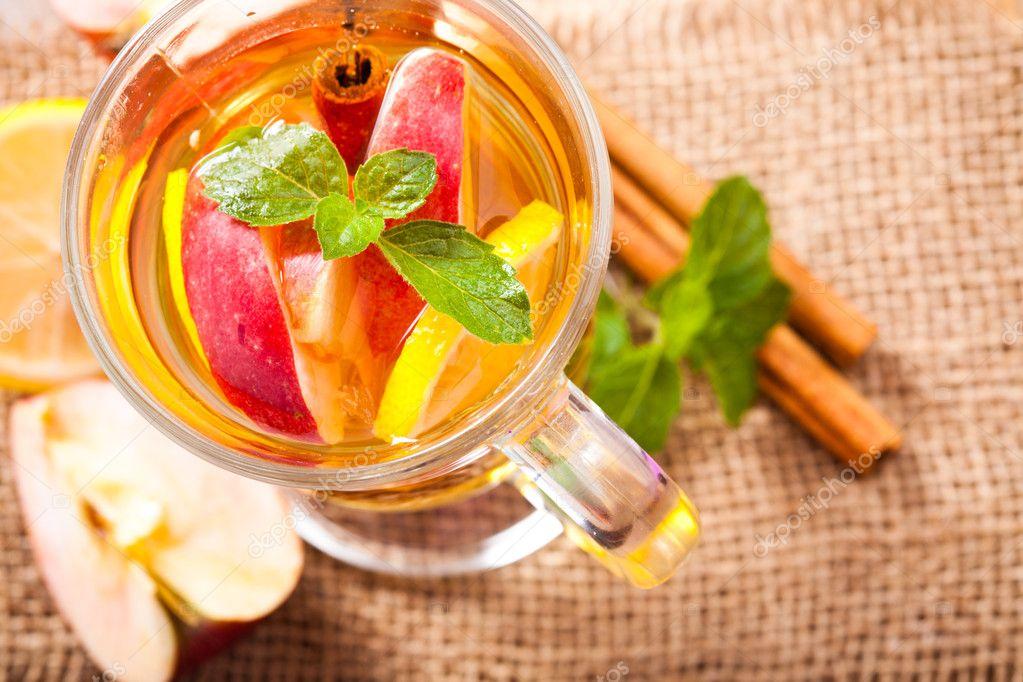 Напиток яблоко и корица