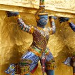 Giant in Wat PhrKaeo, Royal Grand Palace - Bangkok, Thaila — Stockfoto #7157792