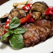 Steak with grilled vegatables — Stockfoto