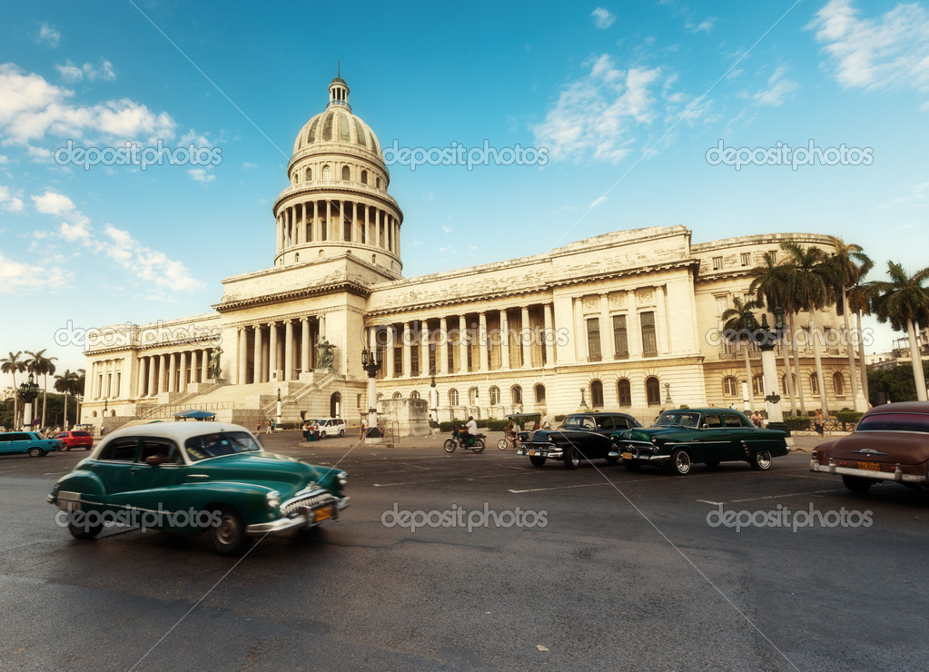 Havana, Cuba - on June, 7th. capital building of Cuba, 7th 2011. — Stock Photo #7500635