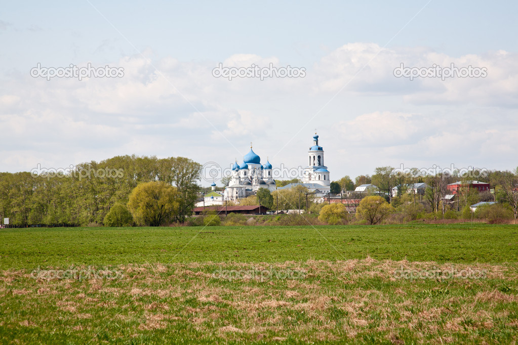 Orthodoxy monastery in Bogolyubovo in summer day (Russia) — Стоковая фотография #6835017