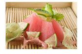 Raw tuna decorated — Stock Photo