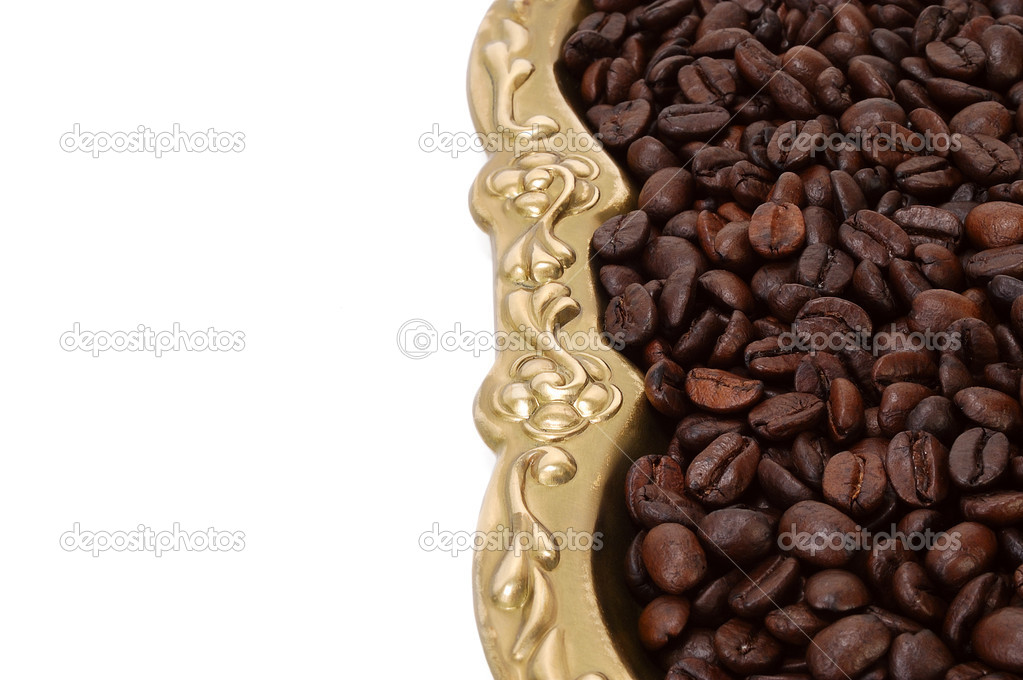 Roasted coffee beans vertically on a white background — Stock Photo #6813881