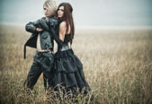 Young goth couple portrait — Stockfoto