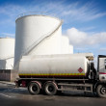 卡车与油箱 — 图库照片