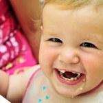 Happy eating sweet baby girl — Stock Photo #7260282