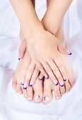 Healthy feet and hands — Stock Photo