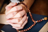 Female hands praying — Stock Photo