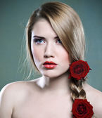 Beauty and roses — Stock Photo