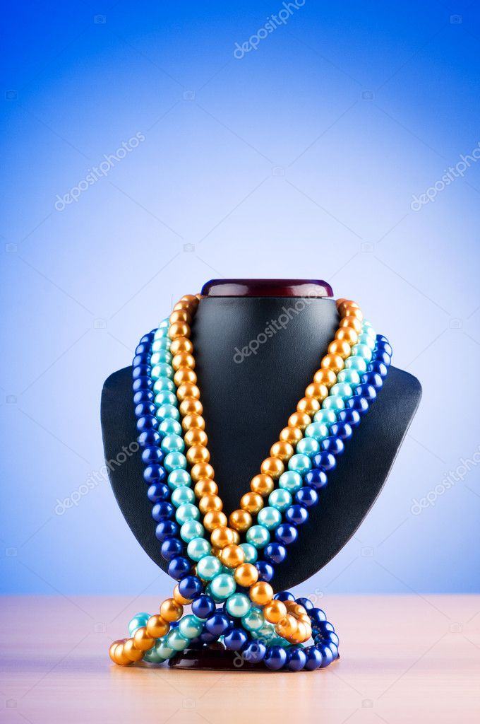 Pearl necklace against gradient background  Stock Photo #6843989