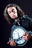 Concepto de tiempo con el hombre y reloj — Foto de Stock