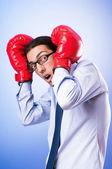 Homme d'affaires avec des gants de boxe — Photo
