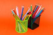 обратно в школу концепции с красочный карандаши — Стоковое фото