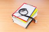 Geneeskunde concept met stethoscoop en boeken — Stockfoto