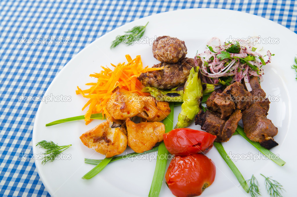 Plate with tasty lamp kebabs — Foto de Stock   #7137798