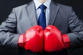 Empresario con guantes de boxeo — Foto de Stock