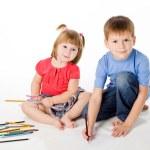 barn rita färgpennor — Stockfoto