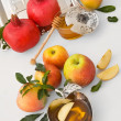 Honey with apple for Rosh Hashanah – jewish new year — Stock Photo