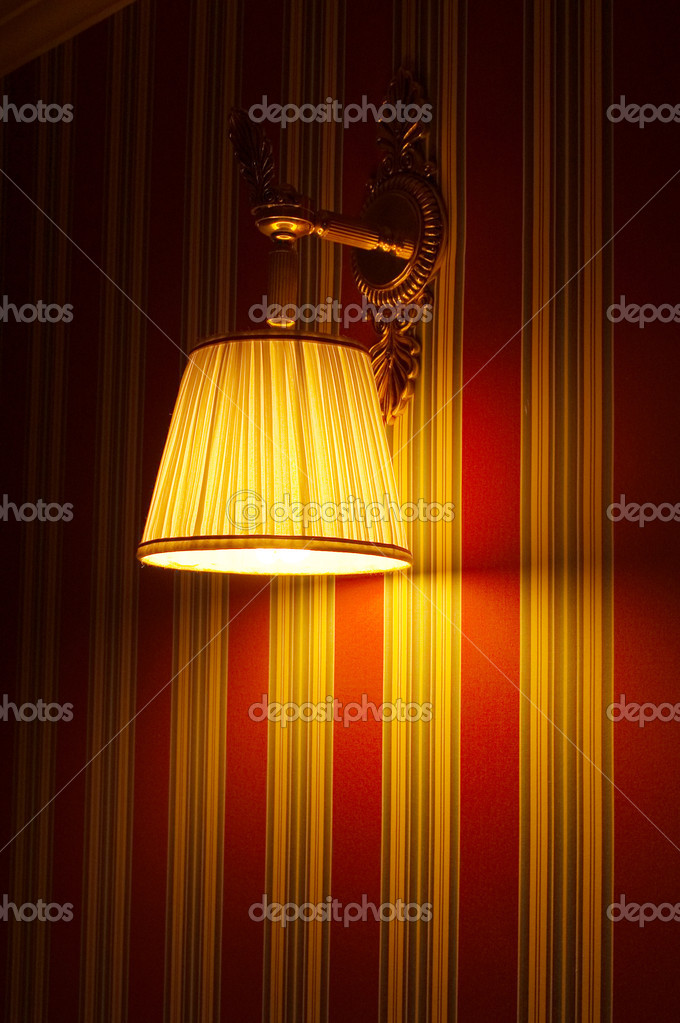 The lamp on the wall — Stock Photo #6825573