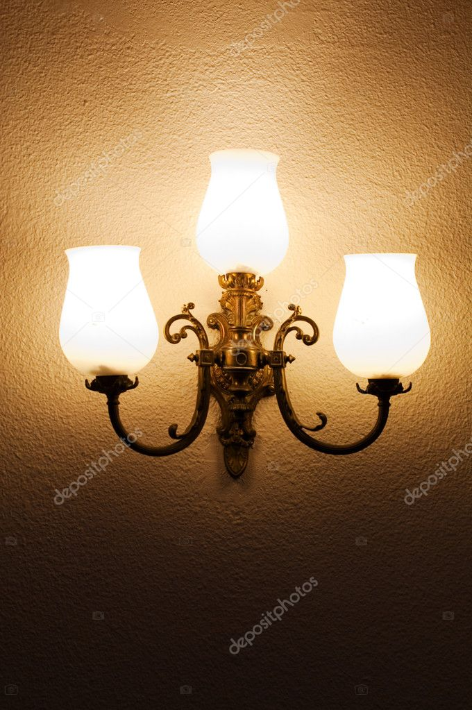 The lamp on the wall — Stock Photo #6825576