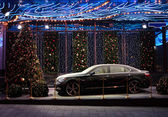 Car in New Year's scenery — Foto Stock