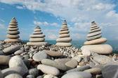 Kamień stosy przeciwko niebo — Zdjęcie stockowe