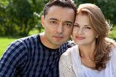 Coppia sposata all'aperto — Foto Stock
