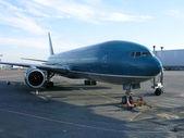 Avion de l'aéroport — Photo