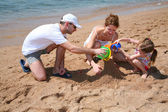 Familly on beach 2 — Stock Photo