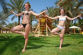 Tropical yoga girls — Stock Photo