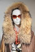 メガネで毛皮の女性マネキン — ストック写真