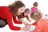 Matki z dziećmi, rysunek — Zdjęcie stockowe
