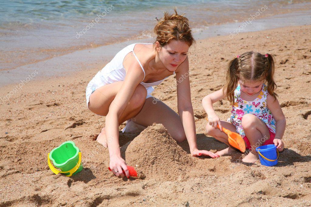 Фото моей мамы на пляже 3 фотография
