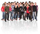 Jóvenes de un grupo grande multitud — Foto de Stock