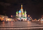 St. Basil's cathedral in Moscow at night — Stockfoto