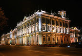 State Hermitage at night (Saint-Petersburg, Russia) — Stock Photo