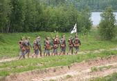 Soldados en un desfile militar de la primera guerra mundial — Foto de Stock
