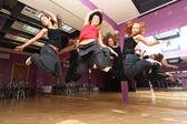 Springen, tanzen kollektive — Stockfoto