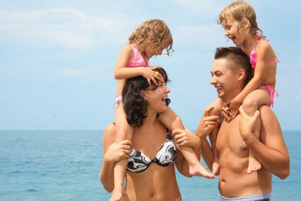 смотреть фото нудисты семьи