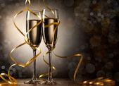 Dvojice sklenici šampaňského — Stock fotografie