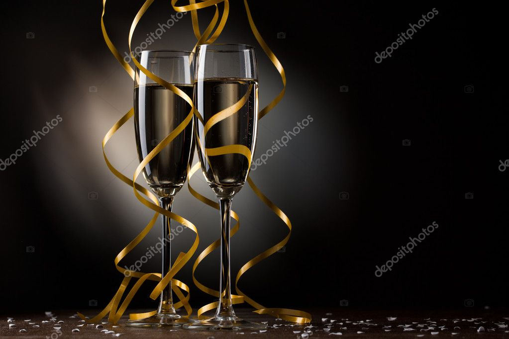 Pair glass of champagne — Stock Photo #7635183