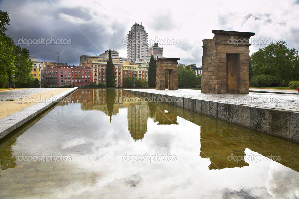 The ancient Egyptian temple Debod established at top of a hill in the center of Madrid — Stock Photo #6761950