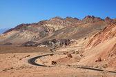 Strada tortuosa nella valle della morte — Foto Stock