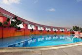 The elegant swimming pool at the twentieth floor — Stock Photo